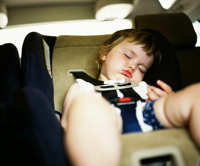 sleepingcarseat.jpg.jpe