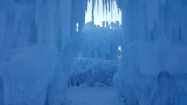 ice_castle_arch.jpg.jpe