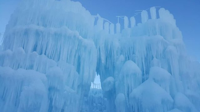 ice_castle_day_front-768x432.jpg.jpe