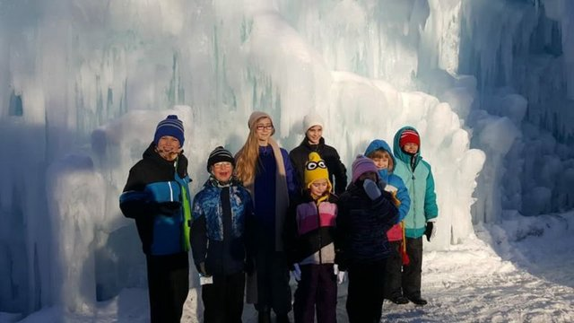 ice_castle_kids-768x432.jpg.jpe