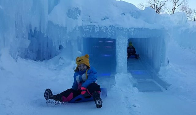 ice_castle_slide_day_2.jpg.jpe