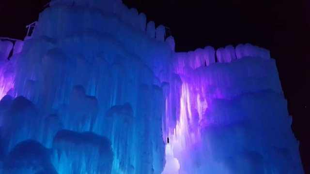 ice_castle_night-768x432.jpg.jpe