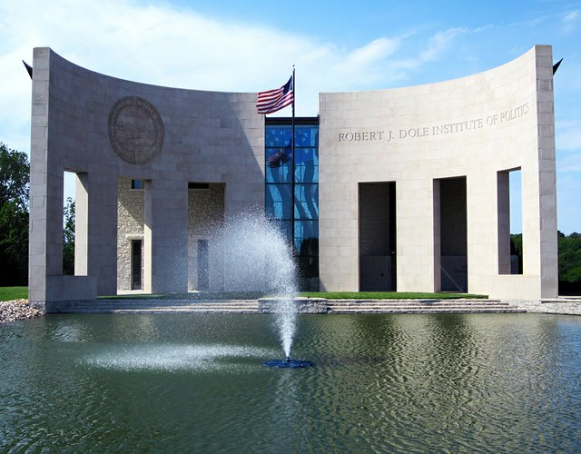imagesevents27932Building_Best_Fountain-jpg.jpe