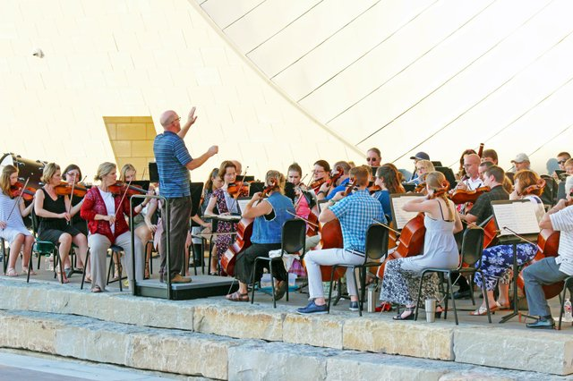 imagesevents28773Comm-Orchestra-jpg.jpe