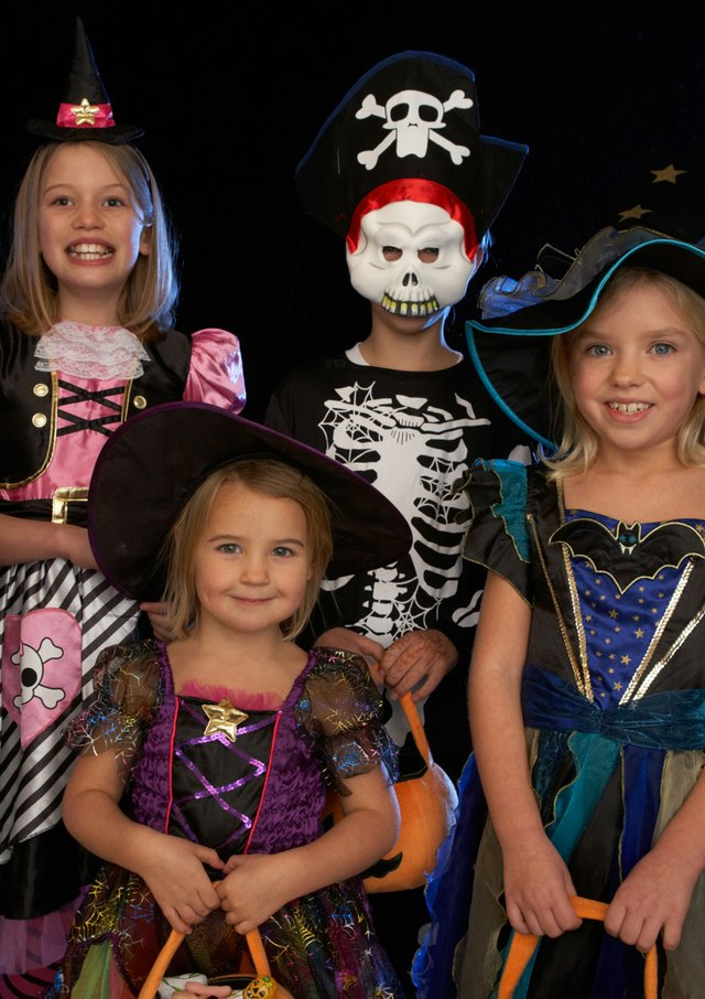 imagesevents29496halloween_costumes-jpg.jpe