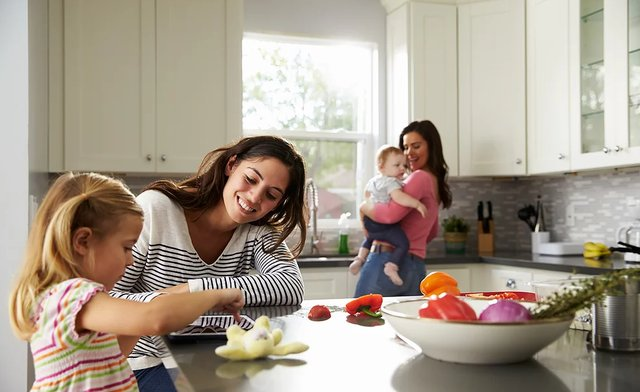 imagesevents31881tastybalancemotherdaughter-png.png