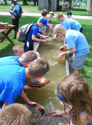 imagesevents32237GoldPanning-png.png