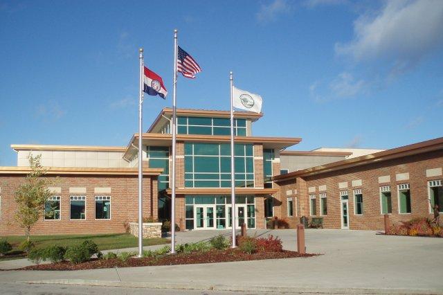 harrisonville_community_center.jpg