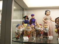 dollmuseum-1.png