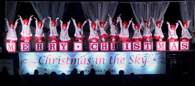 Christmas In The Sky Stage 2017.jpg