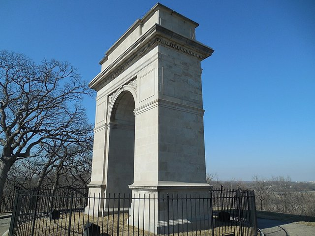 Rosedale Memorial Arch 3.jpg