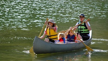 canoeing.jpg.jpe