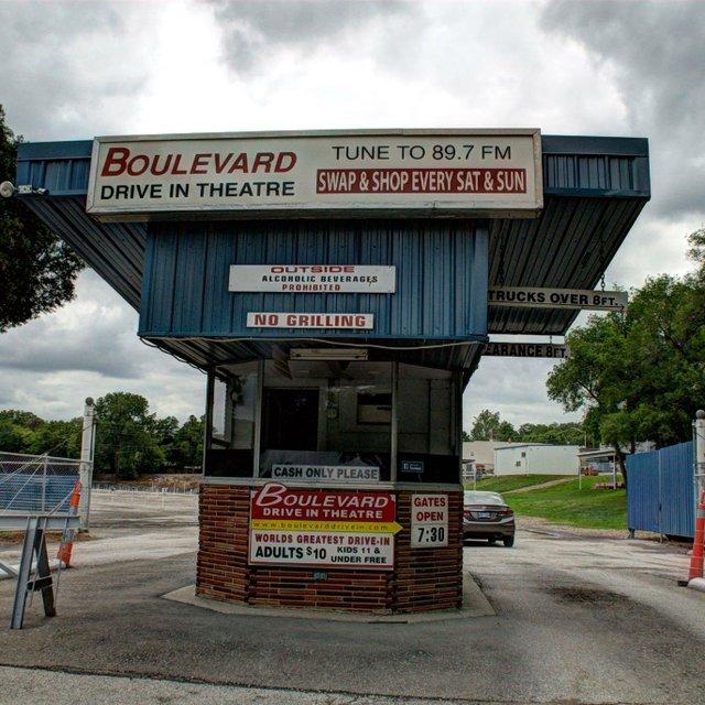 Boulevard Drive-In Theatre.jpg
