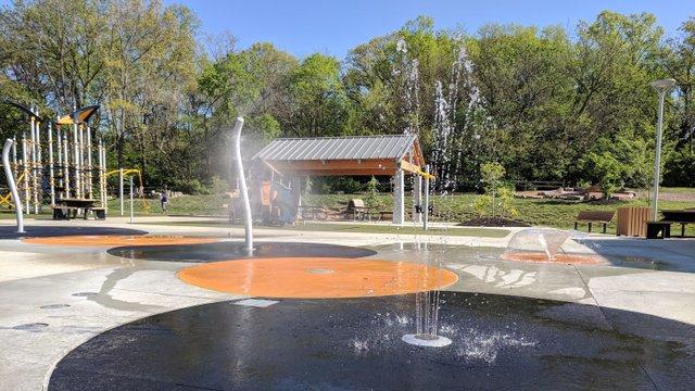 roe-park-splash-pad-web.jpg