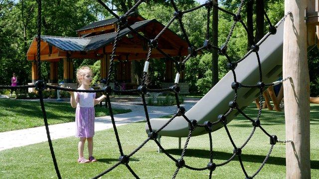 Sapling-Grove-Park-3web.jpg