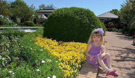 Exploring Kauffman Gardens - a FREE botanical garden in Kansas City!