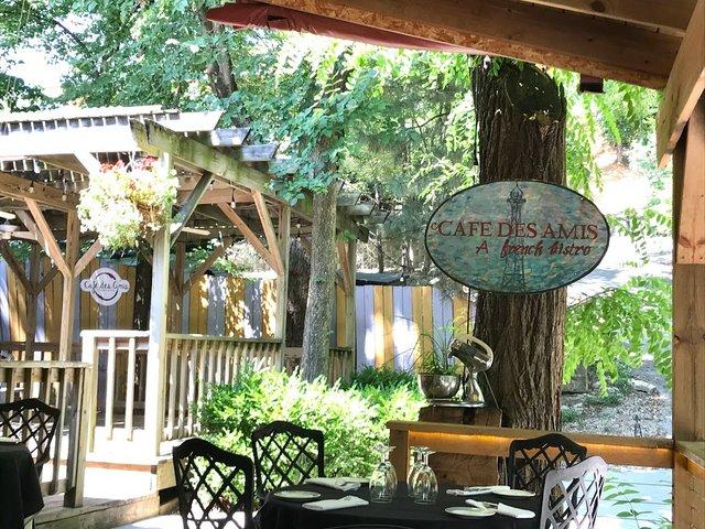 Cafe des Amis.jpg