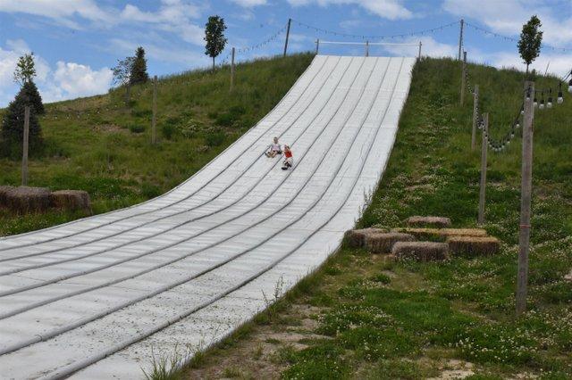 A slide funfarm.jpg