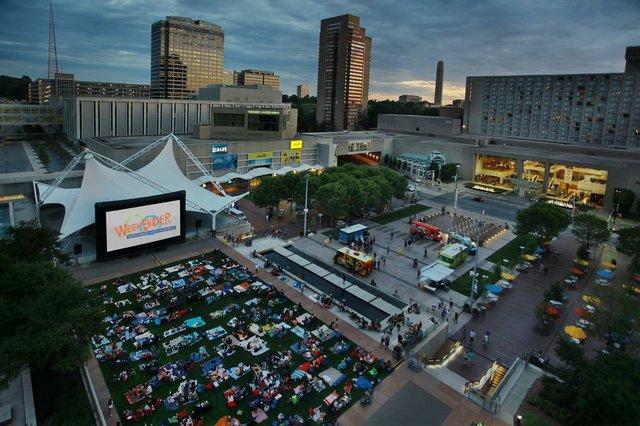 Crown Center WeekEnder photo 1.jpg
