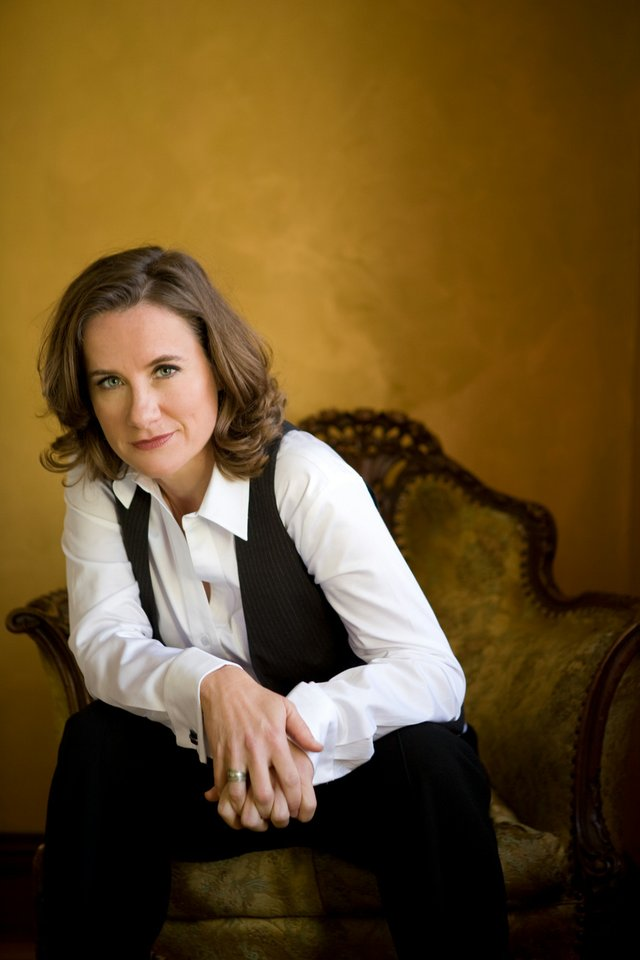 Susan Werner-Sitting-4HR-1.jpg