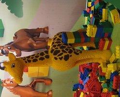 DUPLO-Village-Giraffe.jpg.jpe