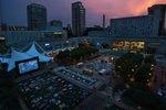 weekender_crown_center.jpg.jpe