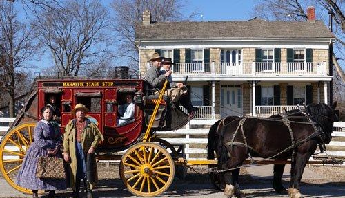 Stagecoach and house.jpg.jpe
