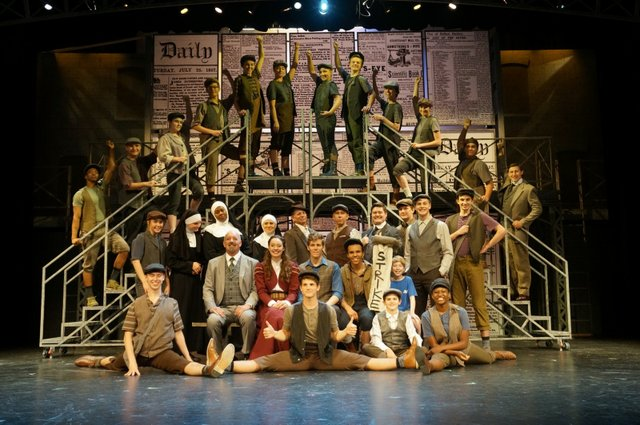 the-coterie-white-theatre-newsies-DSC03164-900x600.jpg.jpe