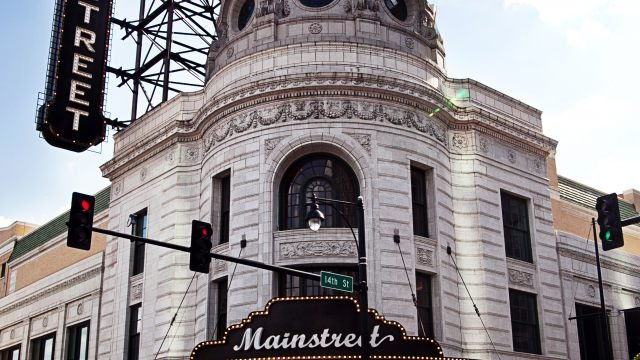mainstreetTheater.jpg.jpe