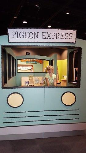 pigeon_express_mo_willems_topeka.jpg.jpe