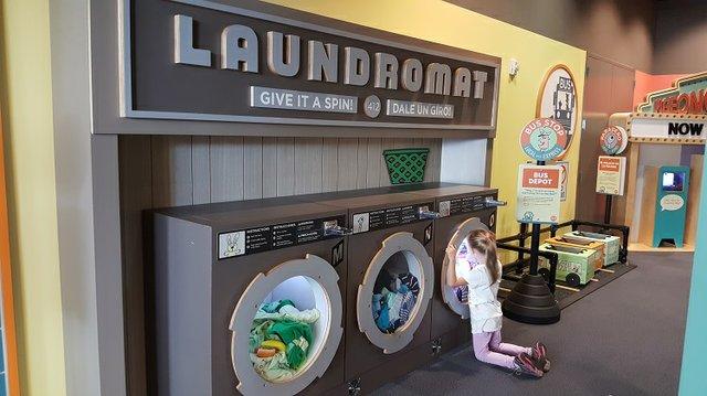mo_willems_laundromat.jpg.jpe