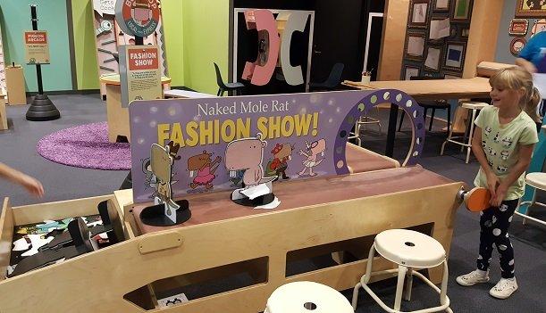mo_willems_fashion_show.jpg.jpe