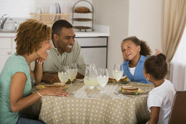 Familydinner.jpg.jpe